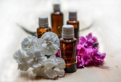 essential-oils-1433692_1920